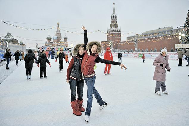 Аделина с тренером может и на открытом городском катке покататься. А москвичи-то и не знают!