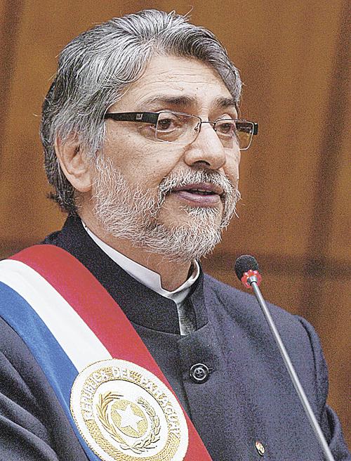 Экс-глава Парагвая Фернардо Луго. Диагноз: рак лимфатической ткани. Сейчас в ремиссии после 3 лет лечения.