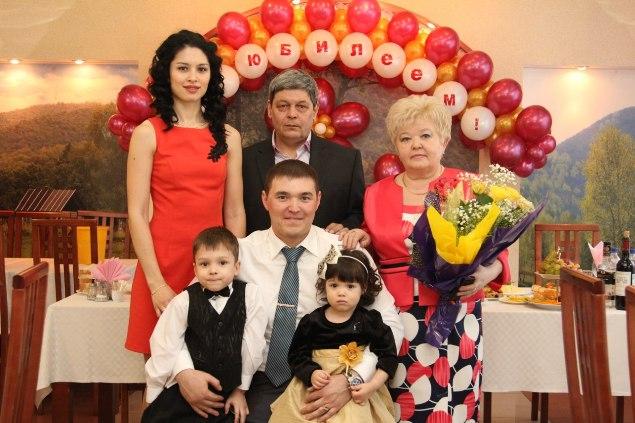 Ирек Зарипов в кругу семьи