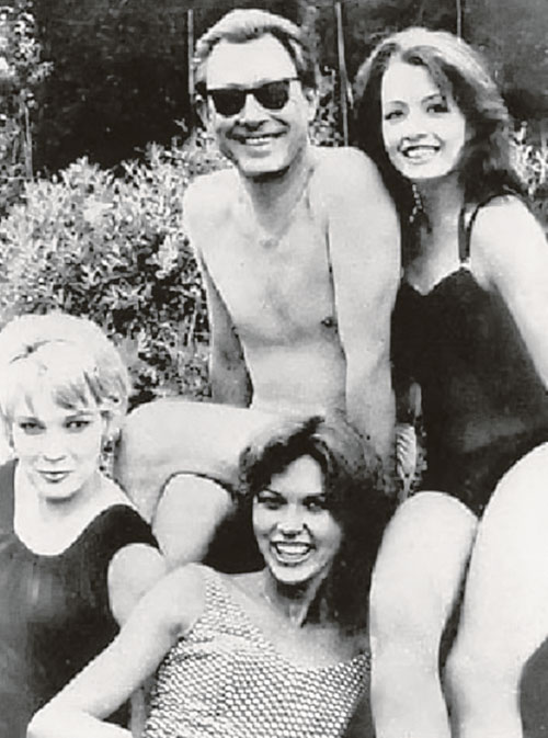 Королевский врач-остеопат и художник Стив Уард и его девушки были друзьями принца Филиппа и не только. Именно благодаря Уарду мегакомпромат на Виндзоров оказался в руках советской разведки.