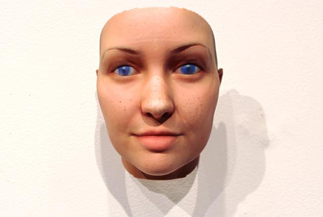 Художница восстановила свой образ по ДНК из жвачки. Получилось, естественно, очень похоже.