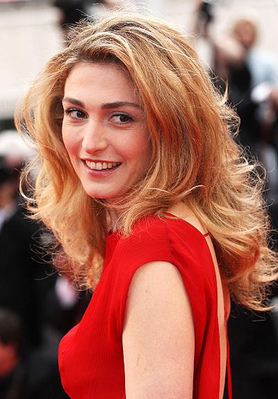 Конец отношениям первой пары Франции положила коварная разлучница - актриса Жюли Гайе.
