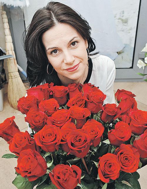В роли модели выступила корреспондент «КП» Анна Герасименко. Она и сама не раз выкладывала «неправильные» фотографии в соцсетях. Почему? Готова объяснить на соседней странице.