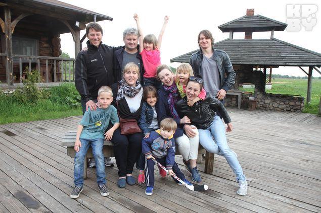 Большая дружная семья Михаила Грабовского.