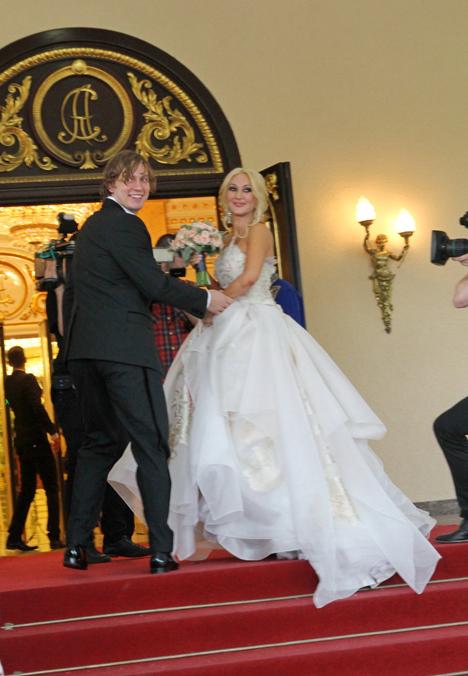 Ровно год назад весь свет отечественного шоу-бизнеса собрался на самую громкую свадьбу сезона.