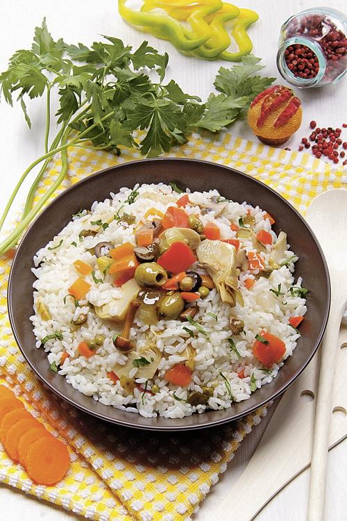 Салат из холодного риса.