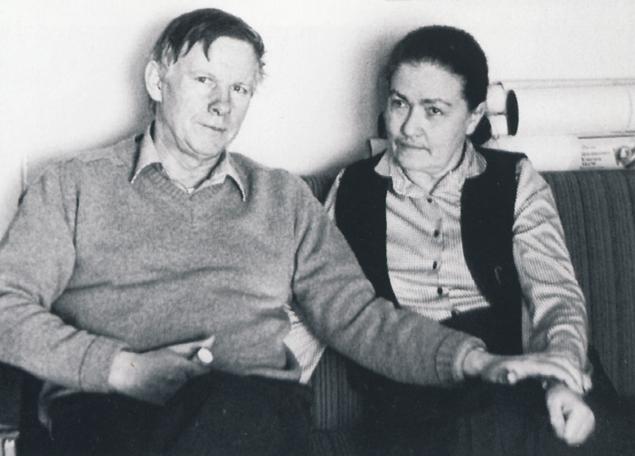 Василь Быков с женой Ириной Михайловной.