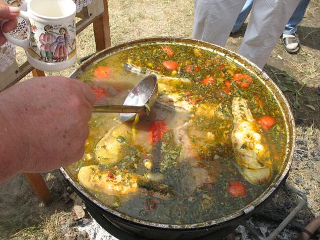 Донская уха варится по старинным казачьим рецептам.