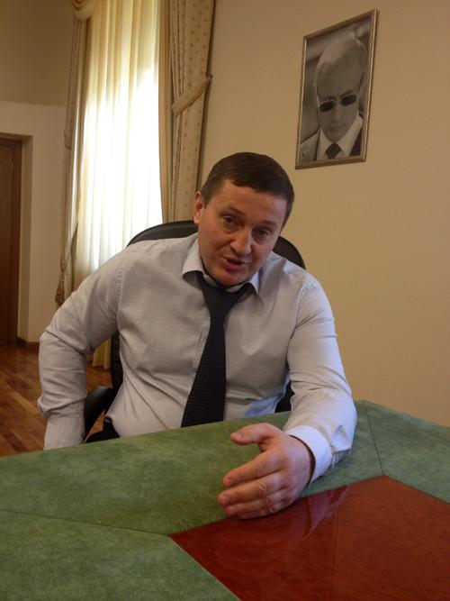 ...а и. о. губернатора Андрей Бочаров всрочной необходимости референдума сильно сомневается.