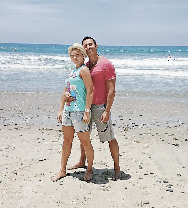 Путешествуя поКалифорнии, Стас и Юля отдохнули напобережье океана.