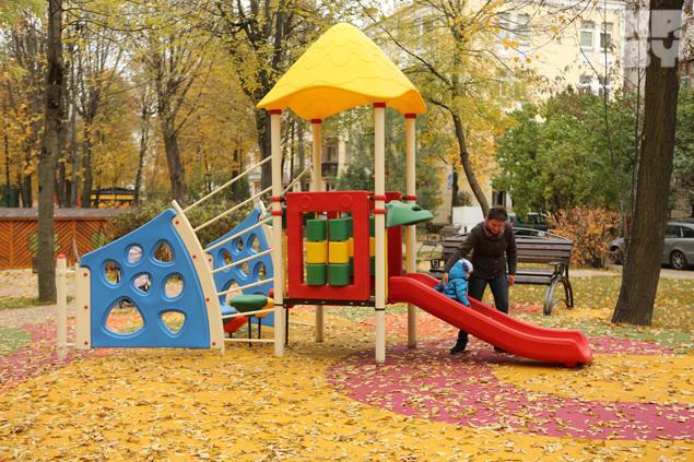 в Московском дворике полно