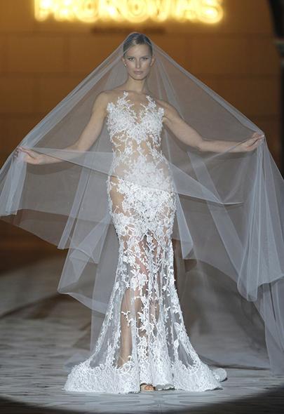 10 самых красивых платьев с Недели свадебной моды в Нью-Йорке // KP.RU