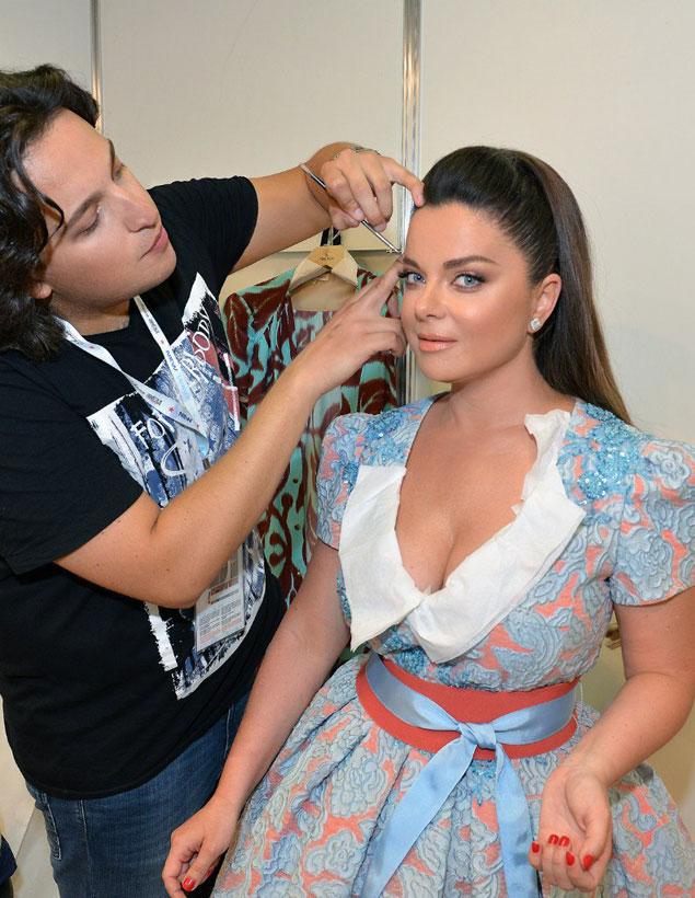 Вадим Андреев и его любимая модель Наташа Королева показывают, как должен выглядеть натуральный макияж