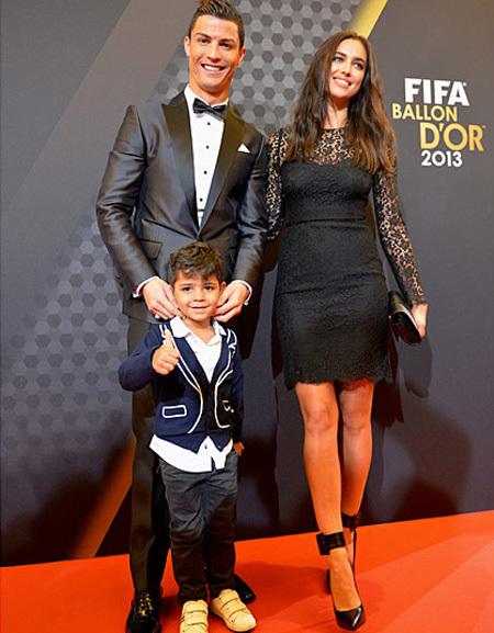 криштиану роналду и его семья фото
