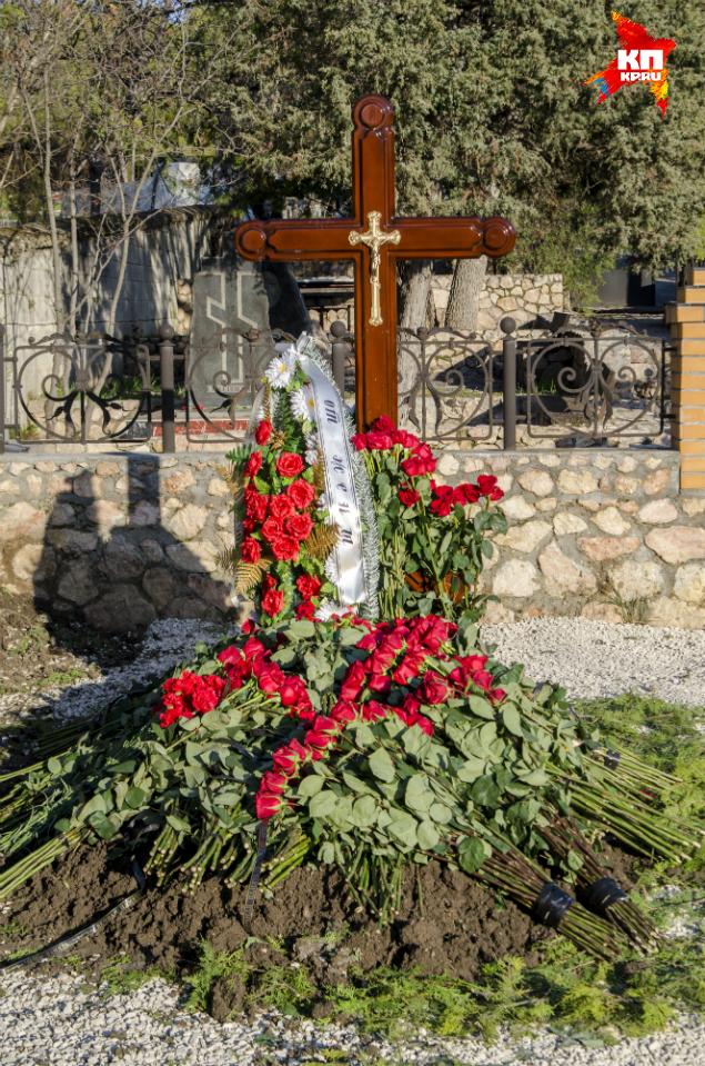 Александр Янукович рассказал, почему брата похоронили в Крыму (интервью) фото 1