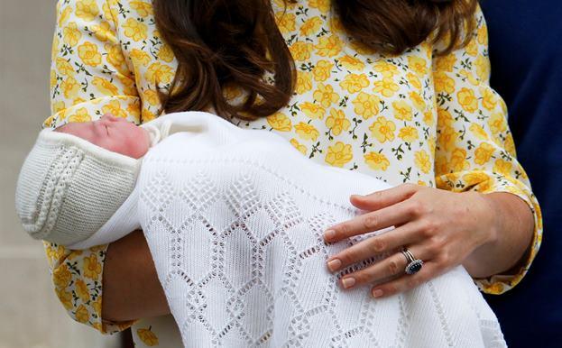 Маленький принц и его родители плюс сестричка 940865