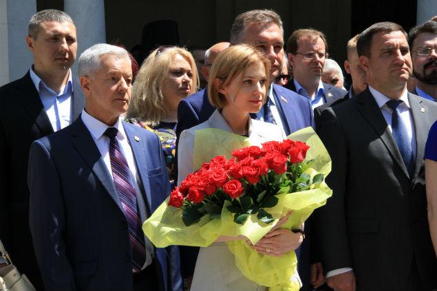 Поклонская на открытии памятника в Ливадии (Крым) Государю Императору Николаю II