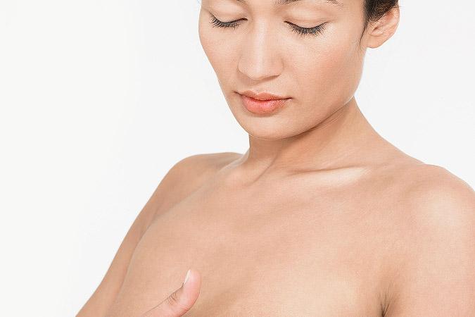 может ли одна грудь быть больше: