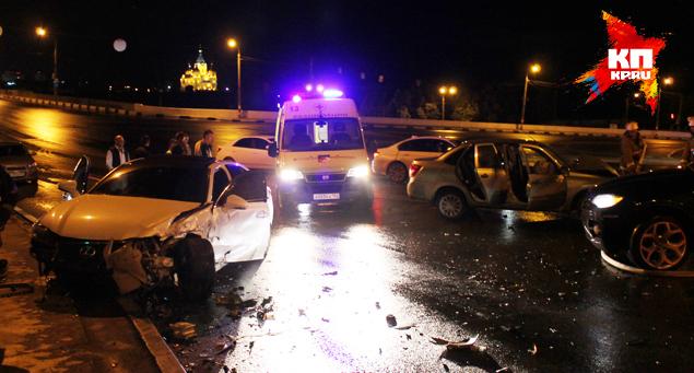 В аварии на Канавинском мосту
