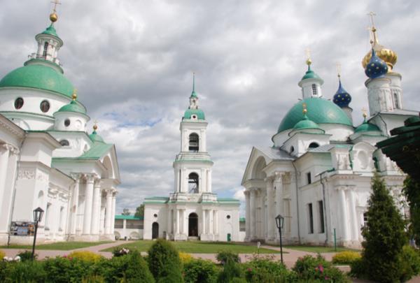 в Ростове Великом.