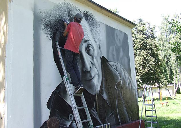 Витебские граффитисты подарили городу портрет Марка Шагала, фото-1