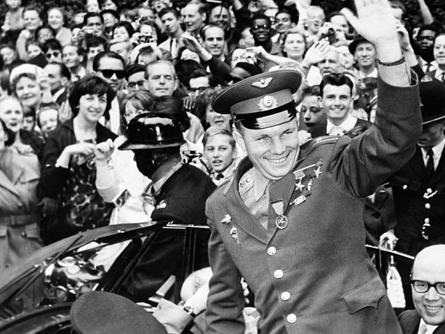 Гибель Гагарина: слухи и