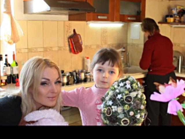 В Москве ограбили дом Волочковой: няню избили, дочь напугали