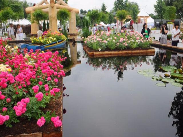 В Парке Горького открылся фестиваль цветов