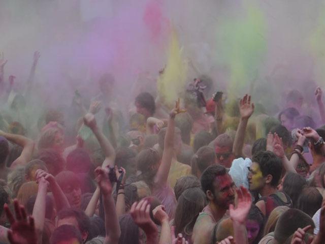На ВВЦ прошел красочный фестиваль COLOURFEST