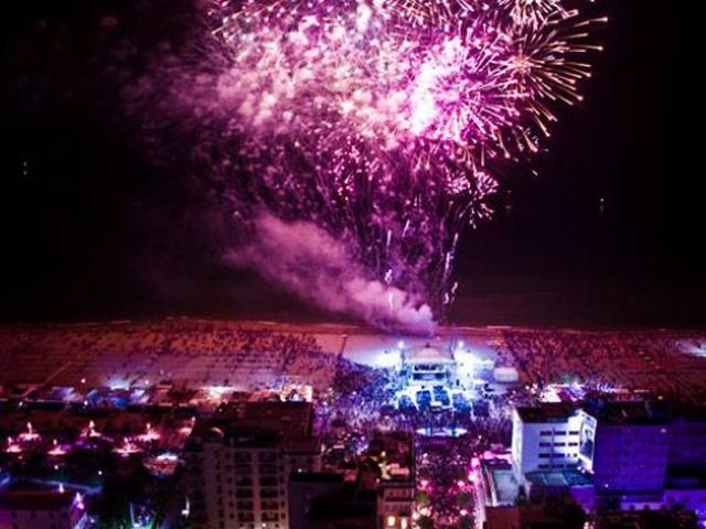 Розовая ночь в Римини - праздник, который не забывается