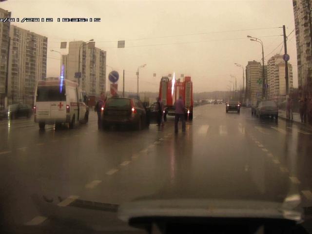 В массовой аварии с полицейским пострадала журналист 5 канала