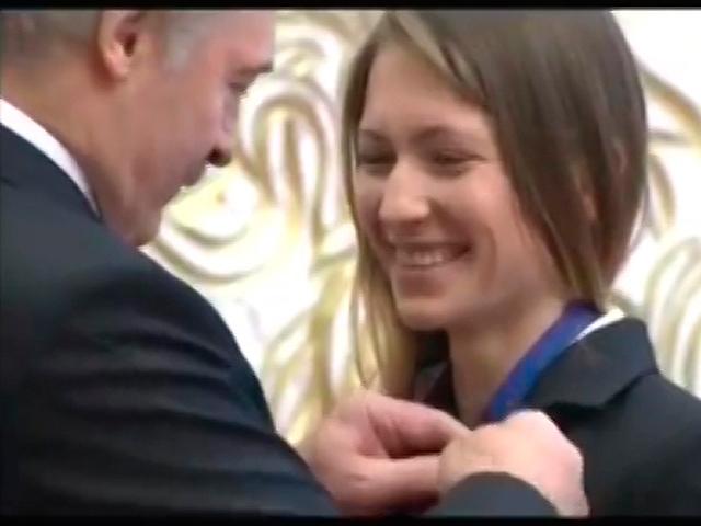 Президент Беларуси вручил государственные награды победителям и призерам Игр в Сочи
