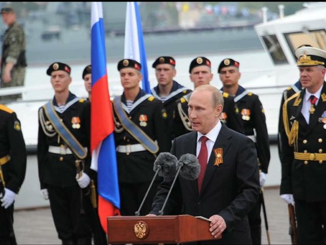 Владимир Путин отметил День Победы с крымчанами
