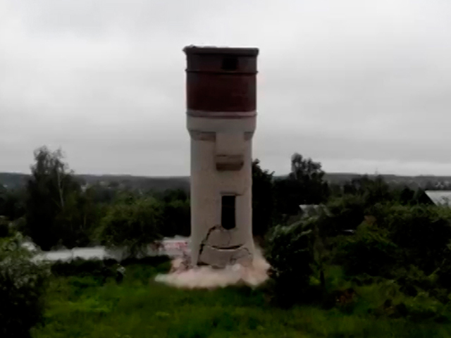 Как за секунду башню разнесло на куски
