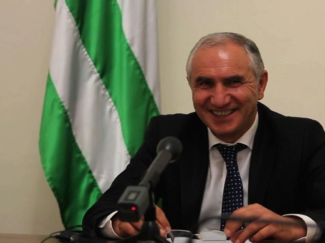 До выборов обязанности президента Абхазии будет исполнять Валерий Бганба