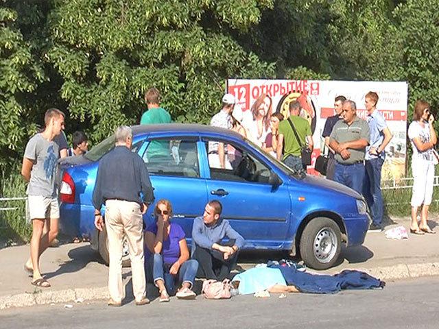 """В центре Самары водитель сбил пешехода на """"зебре"""""""