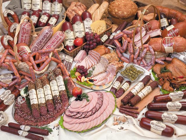 """Экспертиза """"КП"""": Как потребителю правильно выбрать колбасу и сосиски"""