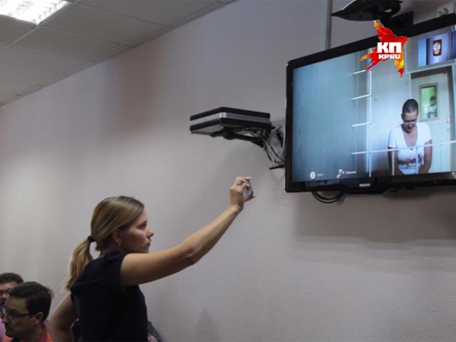 Воронежский облсуд оставил украинскую летчицу Савченко за решеткой