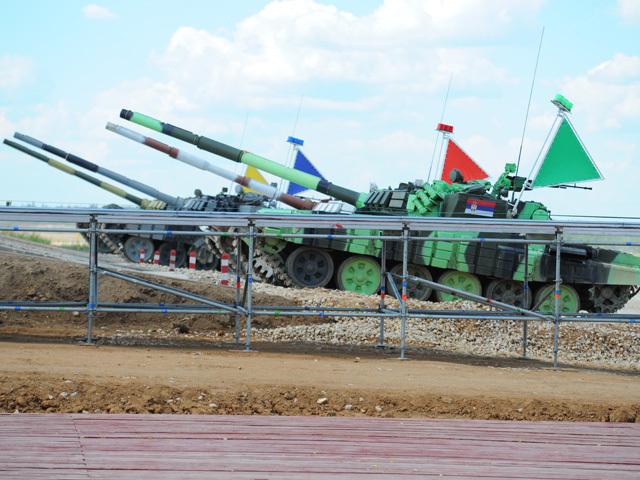 На подмосковном военном полигоне Алабино открывается чемпионат мира по танковому биатлону