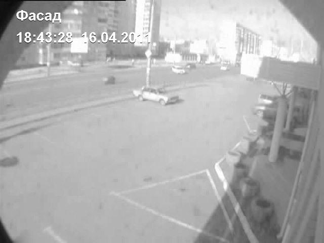 Весной 2011 года неподалеку от пересечения улиц 10 лет Октября и Куйбышева столкнулись «Жигули» и мотоцикл «Сузуки»