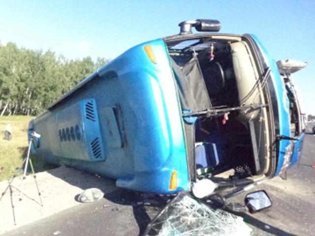 Пассажирский автобус опрокинулся в Усольском районе