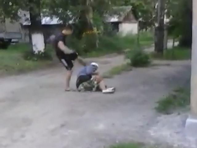 В Нижнем подросток выложил в Интернет видео, как до полусмерти избил бабушку