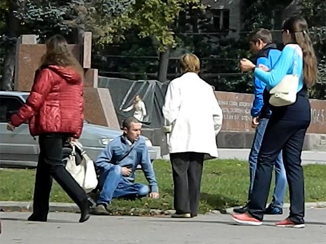 Владимирцы помогают случайному прохожему