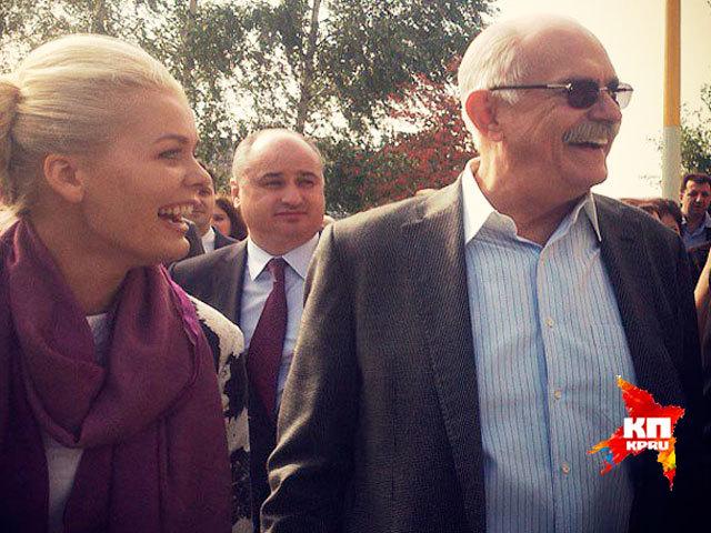 Никита Михалков приехал в Нижний, чтобы открыть памятник, которого нет