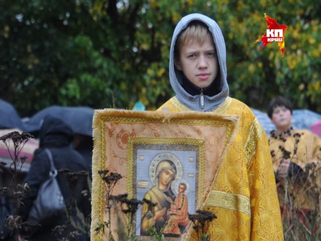 В Подмосковье верующие прошли крестным ходом в память о Великой княгине Елизавете