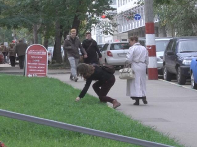 """Эксперимент """"КП"""": Мусоришь на улице? Не забудь хрюкнуть!"""