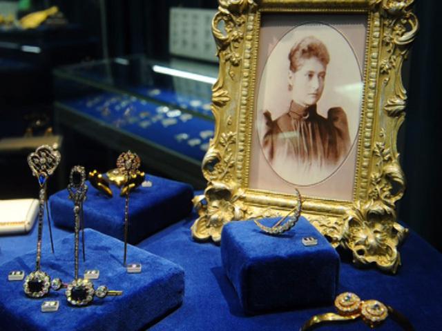 В Москве представили ювелирные изделия из закрытого собрания Госфонда