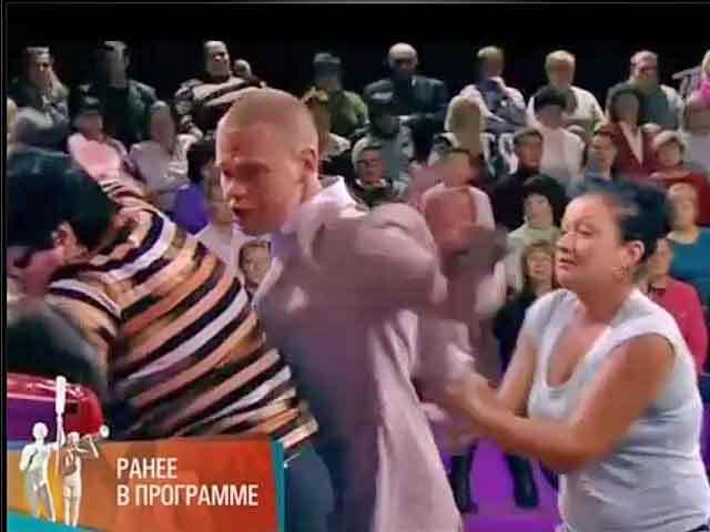 """Тольяттинец избил свою жену прямо в студии Первого канала на передаче """"Мужское/Женское"""""""