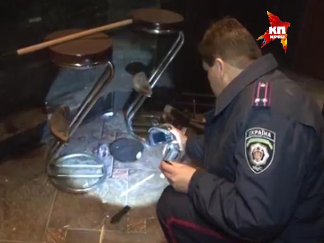 Украинский каратель взорвал в Одессе бар