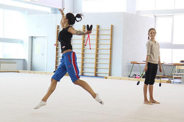 Призер Олимпиады в Лондоне Дарья Дмитриева провела мастер-класс для гимнасток в Иркутске